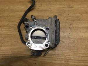 Дроссельная заслонка Toyota RAV 4III (XA30)