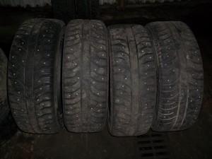 Комплект зимних шин.
