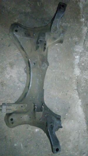Подрамник передний Toyota RAV 4I (XA10) Внедорожник 5дв.