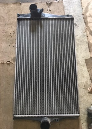 охладитель (интеркуллер) 8627375 Volvo XC90 I