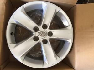 Литой диск на Тойоту Рав4 в 40 кузове