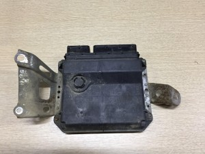 Блок управления двигателем Toyota Yaris II Хэтчбек 5дв.