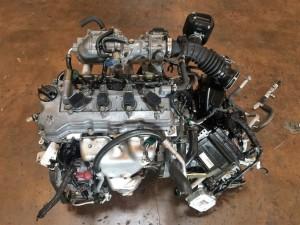 Двигатель Ниссан QG18DE 1999г Nissan Tino компактвэн