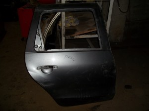 Дверь задняя правая Renault Duster внедорожник 5 дв.