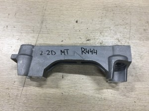 Кронштейн опоры двигателя правый Toyota RAV 4 IV (CA40) Рестайлинг