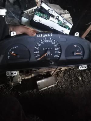 Щиток прибора Toyota Carina