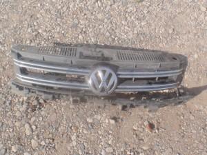 Хром переднего бампера Volkswagen Tiguan I