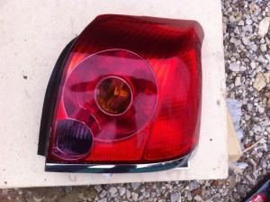 Фонарь задний правый Toyota Avensis II Седан