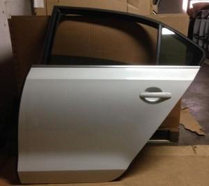 Дверь левая задняя в сборе без обшивки Volkswagen Jetta VI