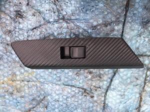 Кнопка стеклоподъемника с накладкой задняя правая Toyota RAV 4IV (CA40)