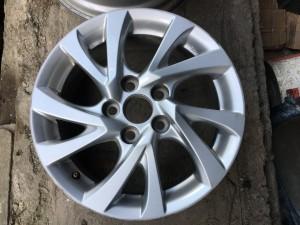 Литой диск на Тойоту Королла в 180 кузове 4261102L80