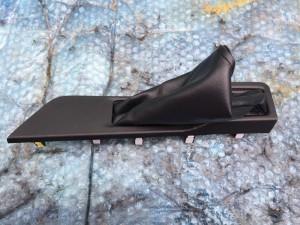 Кожух ручника Toyota RAV 4IV (CA40)