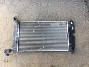 Радиатор охлаждения двигателя Toyota Avensis II Седан