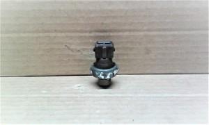 Датчик давления масла (двигателя) - BMW 5er IV (E39) Седан
