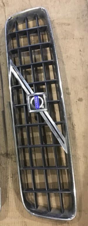 решётка радиатора 8620641 Volvo XC90 I
