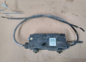 Блок управления ручным (стояночным) тормозом Renault Laguna