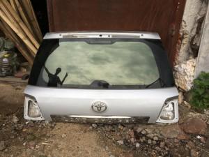 Крышка багажника (пятая дверь) Toyota Land Cruiser 200 Рестайлинг