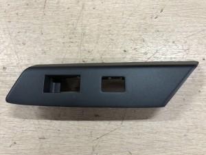 Накладка под кнопку задняя левая Toyota RAV 4 IV (CA40) Рестайлинг