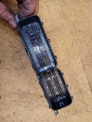 Название детали Блок управления двигателем Модель BMW E90 BMW X3
