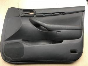 Обшивка двери передней правой (кожа) Toyota Avensis II Рестайлинг Седан