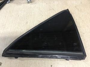 Стекло двери задней правой (форточка) Toyota Camry VII (XV50)
