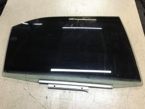 Стекло двери задней правой Toyota Camry VII (XV50)