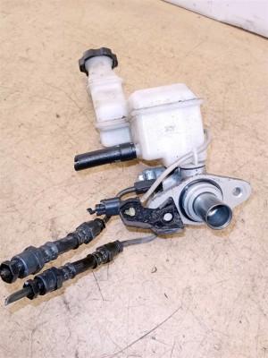 Название детали Главный тормозной цилиндр Модель Hyundai Santa Fe III DM Hyundai Santa Fe