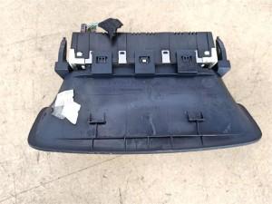 Название детали Дисплей информационный Модель Peugeot 308 Peugeot 308