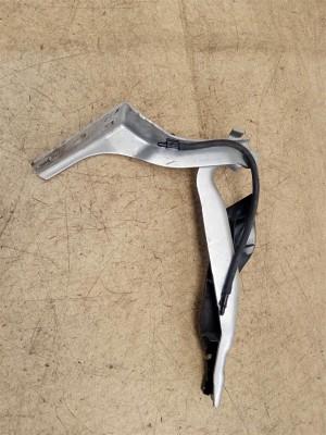 Название детали Петля капота правая Модель Peugeot 308 Peugeot 308