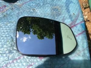Зеркальный элемент правый с датчиком мертвых зон Toyota Highlander III (U50)