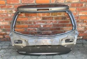 Крышка багажника   III LIFT 2017-2019 Toyota Yaris