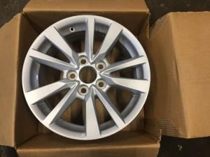 Литой диск на Тойоту Камри в 70 кузове 42611-06E30
