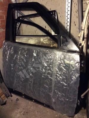 Дверь передняя правая без дефектов Body Santorini Black Land Rover Discovery III