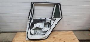Дверь задняя правая  BMW E46 BMW 3er