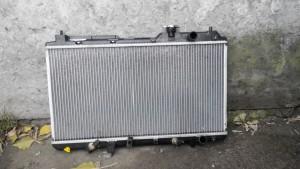 Радиатор двигателя Honda CR-V