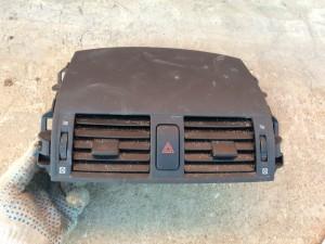 Дефлектор воздушный 2006-2013 Toyota Corolla