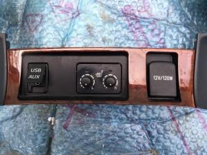 Накладка центральной панели Toyota Highlander II (U40)