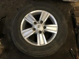 Колесо в сборе на Тойоту Лендкрузер 200 рестайлинг 4261160A50