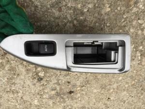 Кнопка стеклоподъемника с накладкой задняя правая Toyota Land Cruiser Prado 120Series Внедорожник 5дв.