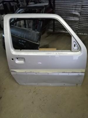 Дверь передняя правая Suzuki Jimny III Рестайлинг 1Внедорожник 3дв.