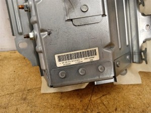 Название детали Подушка безопасности в торпедо Модель Peugeot 308 Peugeot 308